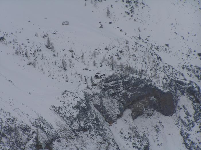Pogled na Kranjsko kočo na Ledinah