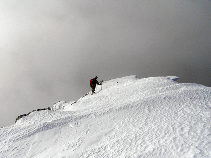 Proti vrhu