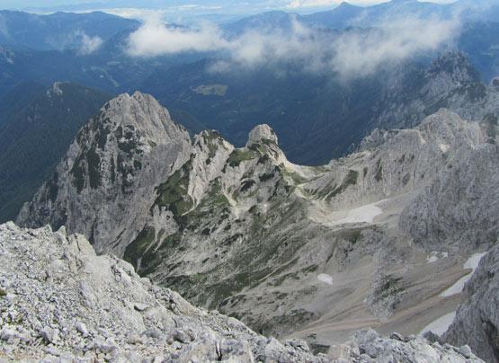 razgled z vrha Skute na Ledinski vrh in Veliko babo.