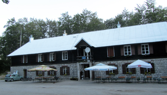 Mali dom Sušac